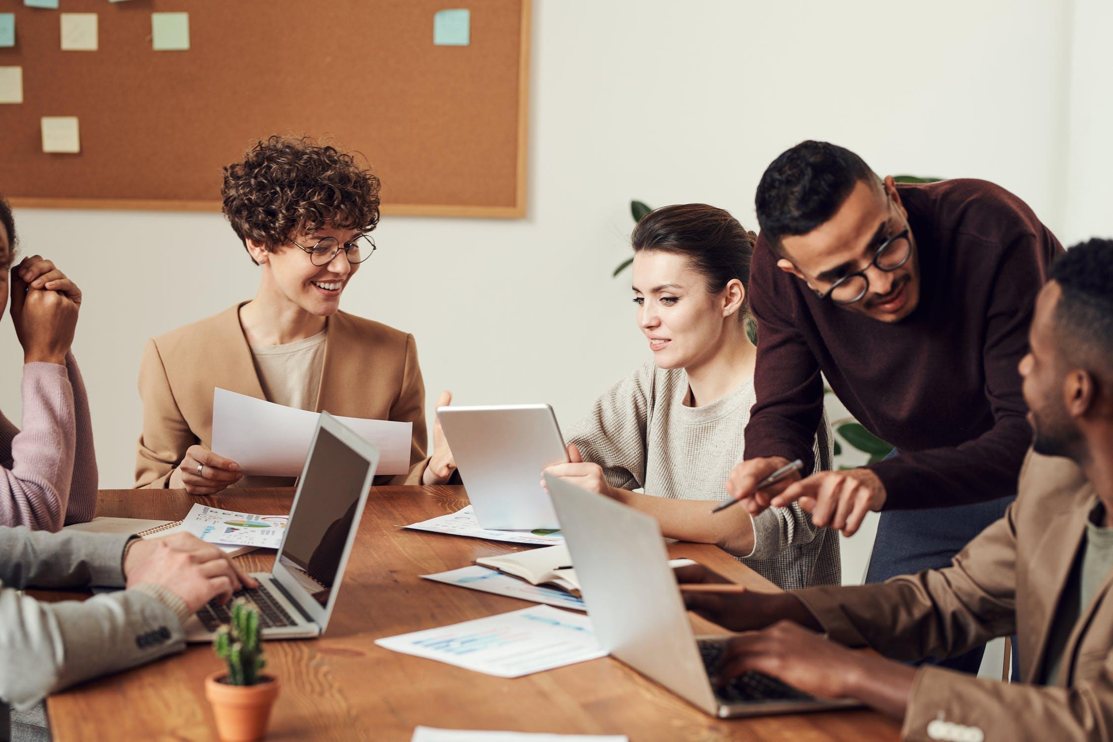 5 astuces pour aider les PME à choisir leur SIRH en SAAS
